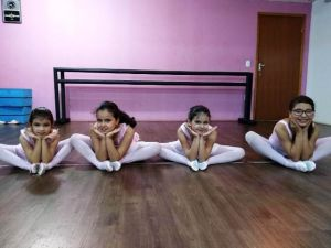 Alunas de ballet do Cras